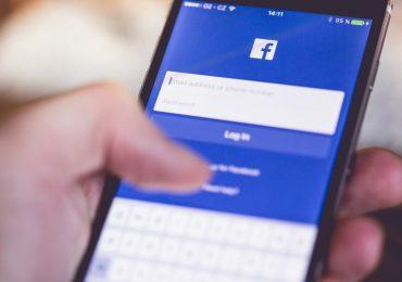 Facebook App Login Splash Screen