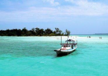 Daerah Wisata Pantai Di Jawa Tengah Dengan Panorama Yang Indah